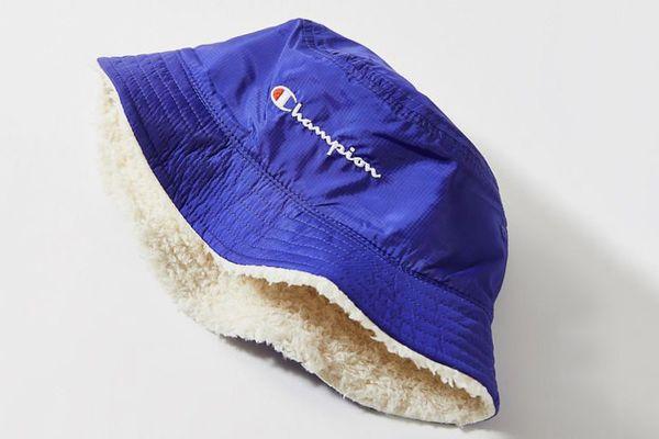 Champion UO Exclusive Reversible Bucket Hat