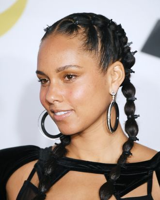 alicia keys went makeup free at the 2018 grammy awards