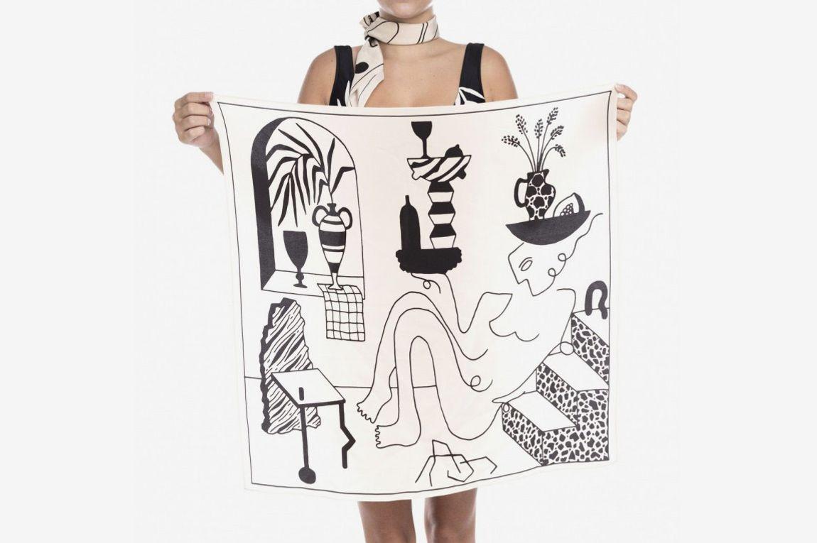 HK Beachwear Off White Carré Bauhaus Muse