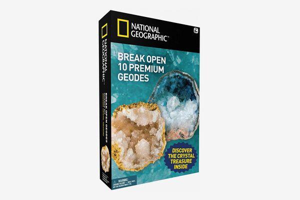 National Geographic: Break Open 10 Geodes