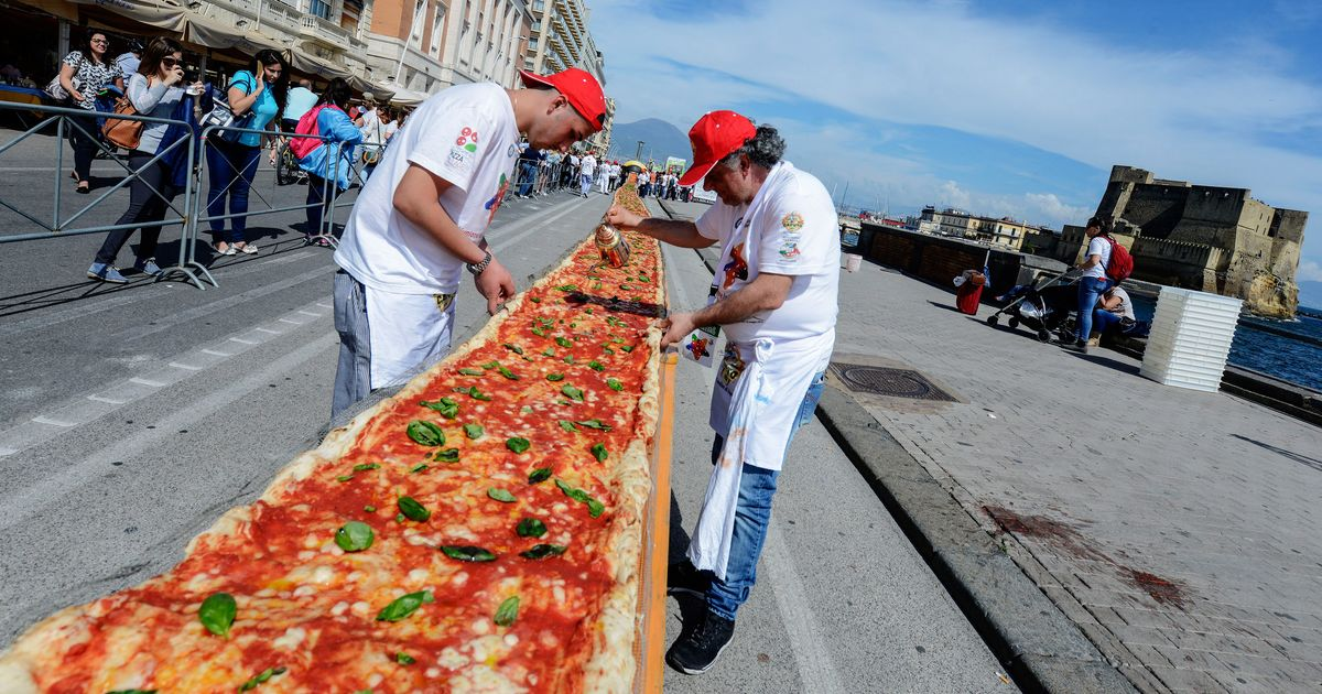 39 world 39 s longest 39 pizza doesn 39 t look so bad grub street