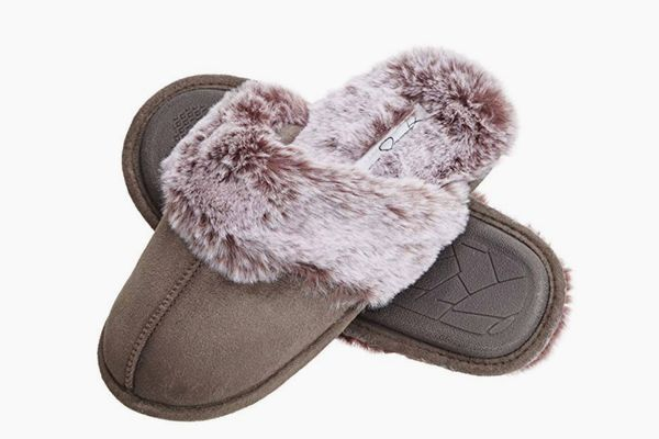 Jessica Simpson Comfy Faux Fur Womens House Slipper Scuff