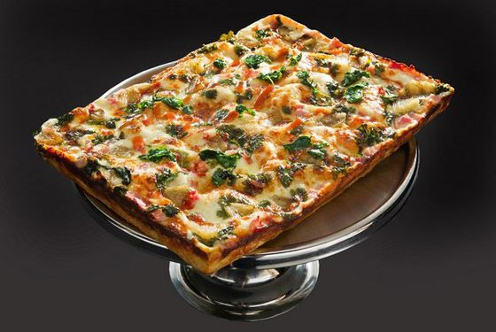 "<b>Detroit Pizza</b>    <a href=""http://www.buddyspizza.com/index.asp"">Buddy's Restaurant</a>    <i>Detroit</i>  This red-checked classic claims the creation of Motor City's original square pie, spreading the deep-dish and Sicilian hybrid throughout Detroit. To maximize the caramelized crunch on its deep crust, Buddy's often twice-bakes the pie in a sunken pan, casting a die-cut, diagonal edge easing into the morass of melted cheese and sweet, rich sauce."