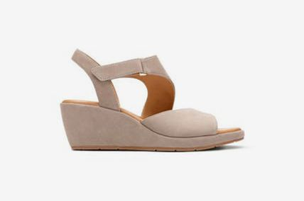 46936002ea0 Clarks Un Plaza Sling Womens Sandals in Grey Nubuck at Spring