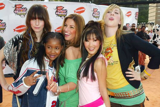 WESTWOOD, CA - APRIL 02:  (L-R) Danielle Haim, Lil' Nix, Raquel Houghton, Ally Maki and Este Haim of The Valli Girls arrive at the 18th Annual Kids Choice Awards at UCLA's Pauley Pavilion on April 2, 2005 in Westwood, California.  (Photo by Matthew Simmons/Getty Images)
