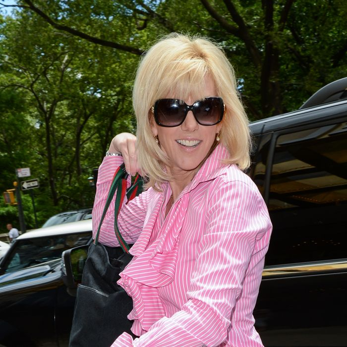 Actress Rielle Hunter enters her Midtown Manhattan hotel on June 26, 2012 in New York City.