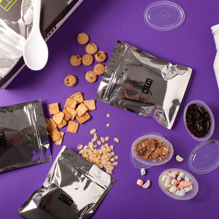 Lesbians eat chocolate vidoes