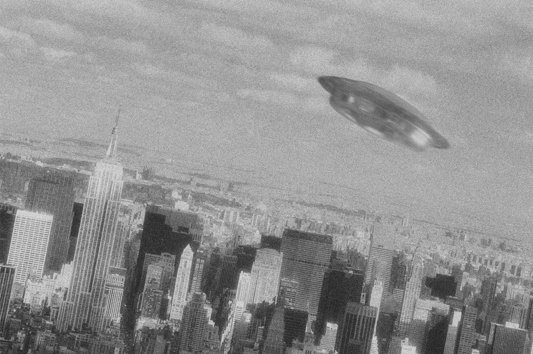 , Manhattan, New York City, New York State, USA --- UFO Flying over Manhattan --- Image by ? L. Clarke/CORBIS