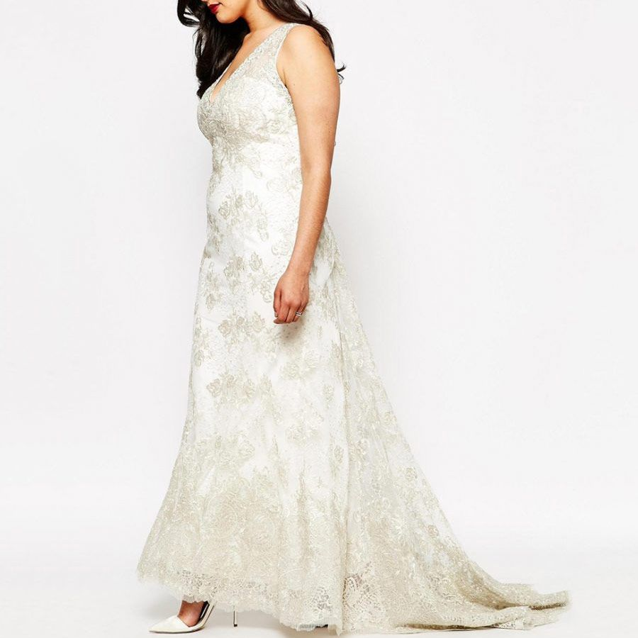 691e280438ea7 29 Dreamy Plus-Size Wedding Dresses