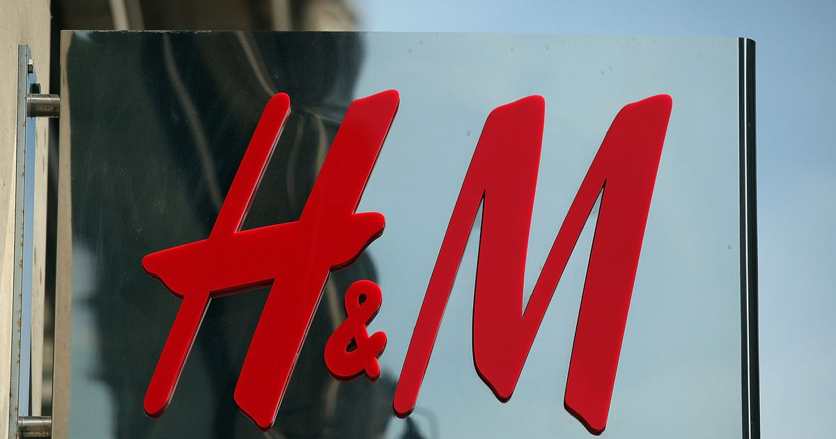 The latest Tweets from H&M (@handm) Tweet with a location. You can add location information to your Tweets, such as your city or precise location, from the web and via third-party applications.