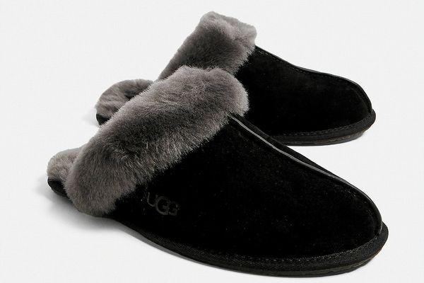 UGG Scuffette II Black Slippers