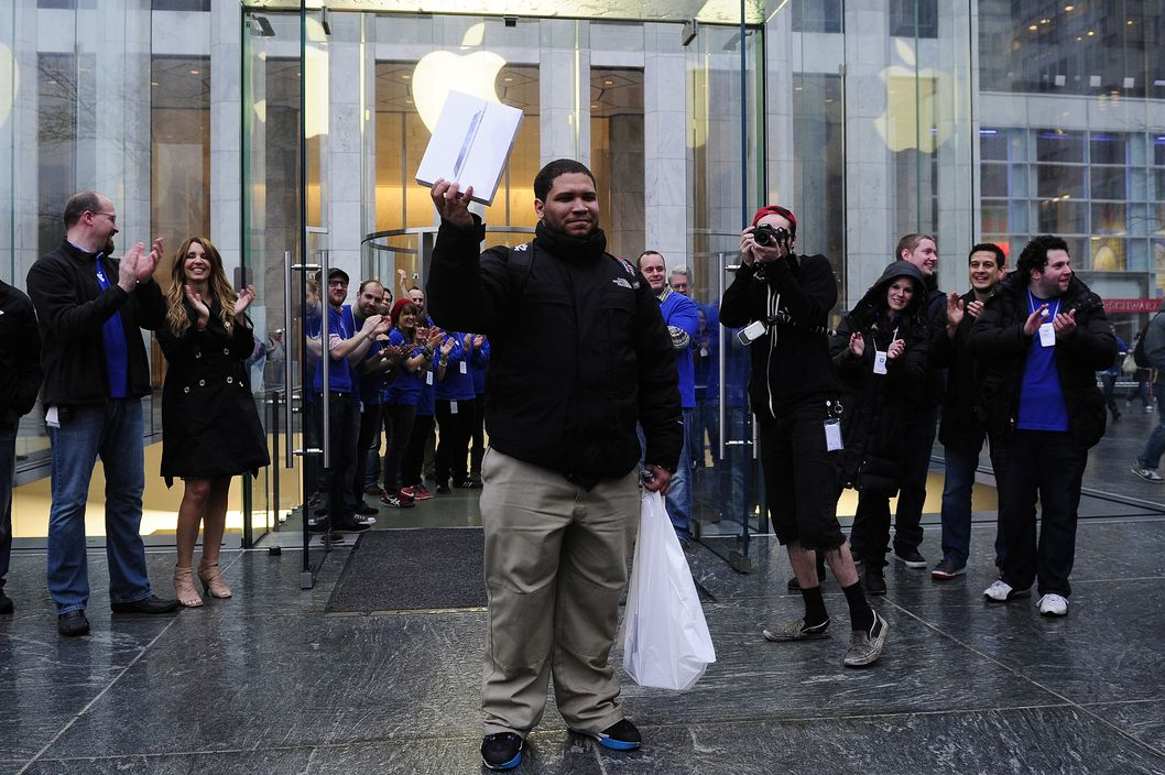 The first new iPad sold at Apple's Fifth Avenue flagship store.