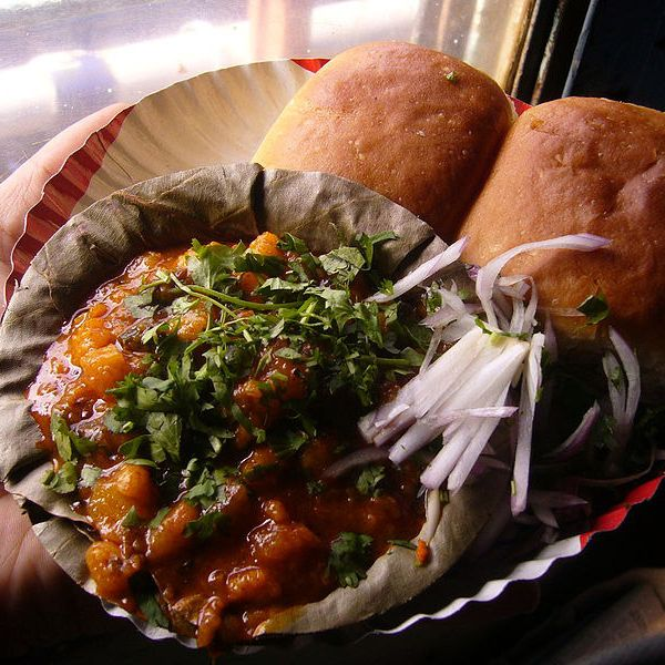 Pav bhaji served on a train in India. We should pav bhajis on Metro-North.