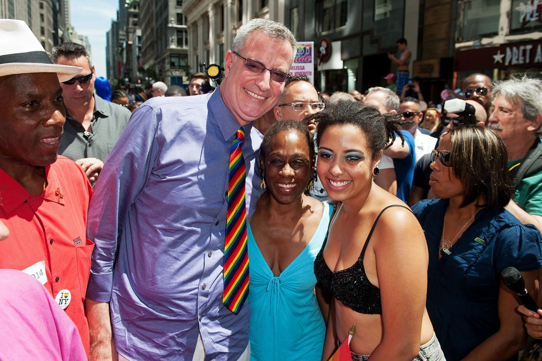 NEW YORK, NY - JUNE 29:  New York City mayor Bill de Blasio (3rd L) and wife Chirlane McCray (C) attend the 2014 New York City Pride March on June 29, 2014 in New York City.  (Photo by D Dipasupil/Getty Images)