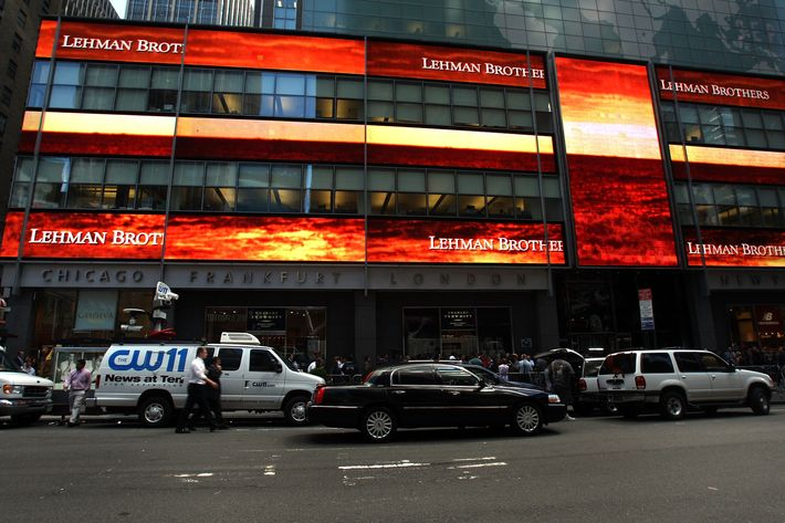 NEW YORK - SEPTEMBER 15: Traffic passes the  Lehman Brothers building September 15, 2008 in New York City. Lehman Brothers filed a Chapter 11 bankruptcy petition in U.S. Bankruptcy Court after attempts to rescue the storied financial firm failed.  (Photo by Spencer Platt/Getty Images)