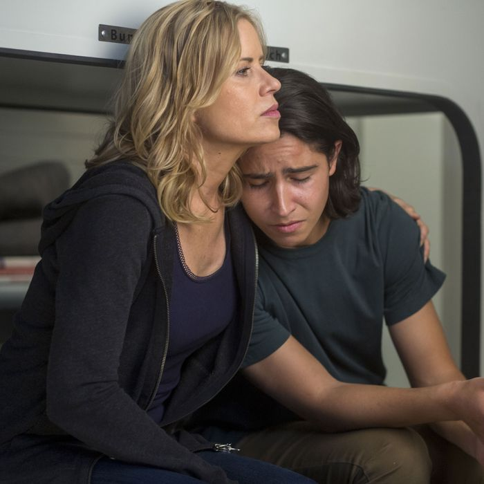 Lorenzo James Henrie as Chris Manawa, Kim Dickens as Madison Clark; group - Fear The Walking Dead _ Season 2, Episode 05 - Photo Credit: Peter Iovino/AMC