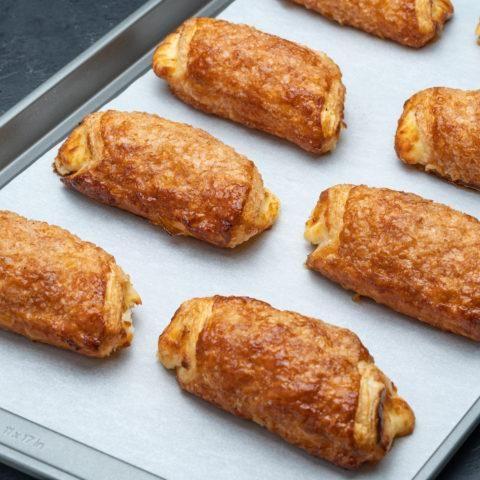 Porto's Bakery Cheese Rolls (1 Dozen)
