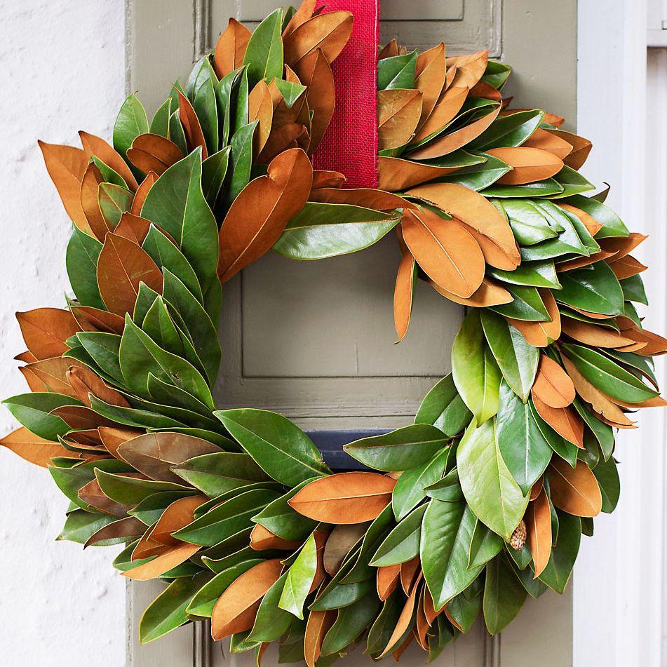 12 Best Christmas Wreaths 2019 Christmas Wreath Ideas The Strategist New York Magazine