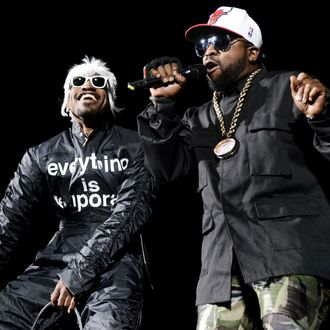 GEORGE, WA - MAY 23: Andre 3000 (L) and Big Boi of Outkast perform during the Sasquatch! Music Festival at the Gorge Amphitheater on May 24, 2014 in George, Washington. (Photo by Tim Mosenfelder/Getty Images)