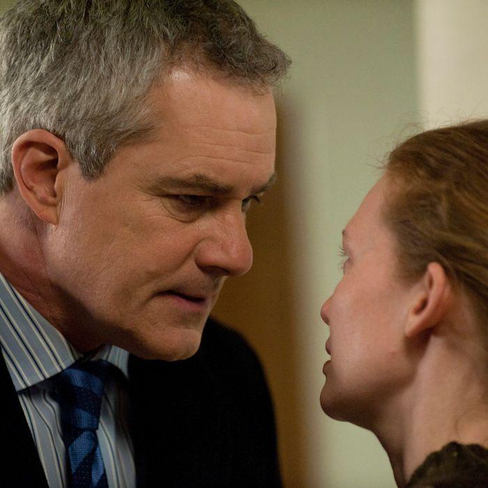 Michael Ames (Barclay Hope) and Sarah Linden (Mireille Enos) - The Killing - Season 2, Episode 13