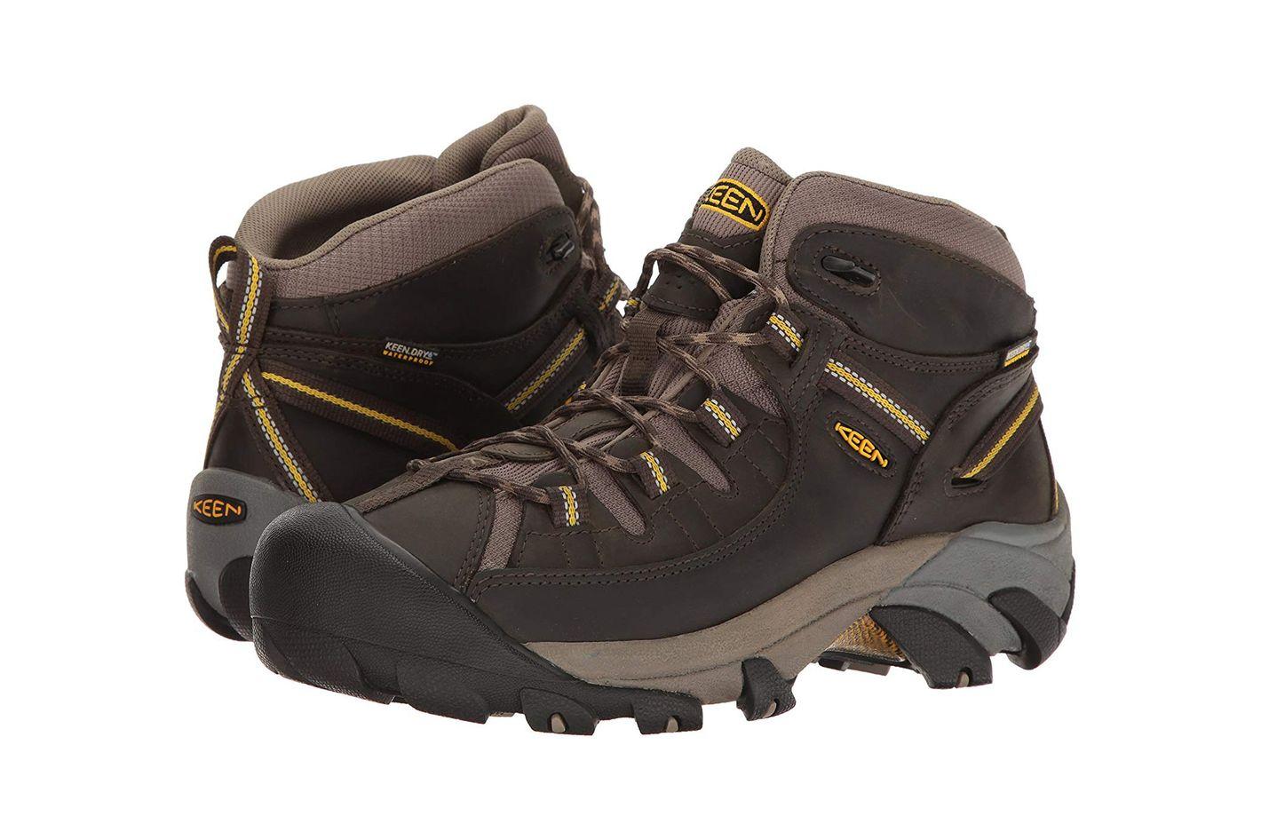 edf04a9005 KEEN Men s Targhee II Mid Wide Hiking Shoe