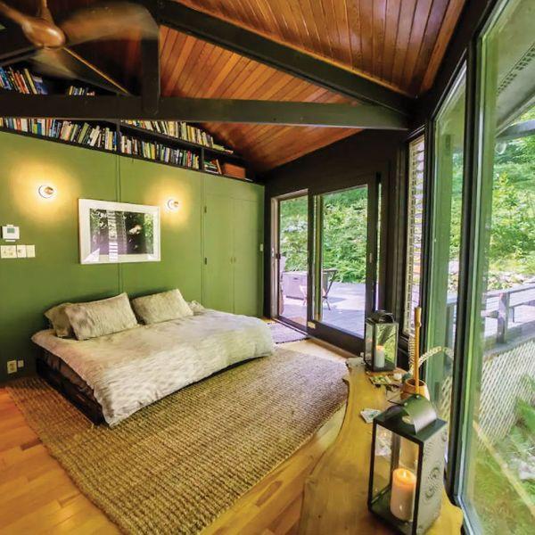 Octagonal Glass Treehouse in Berkshires