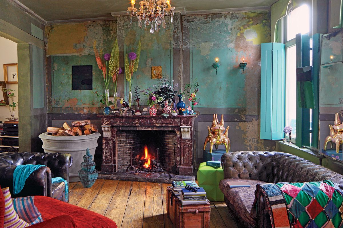 The living room that old house the tulip trade the cut for Decoracion hogar hippie