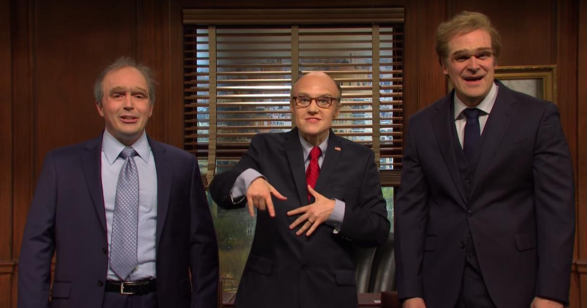 SNL: Kate McKinnon's Rudy Giuliani Will Help You Do Crimes