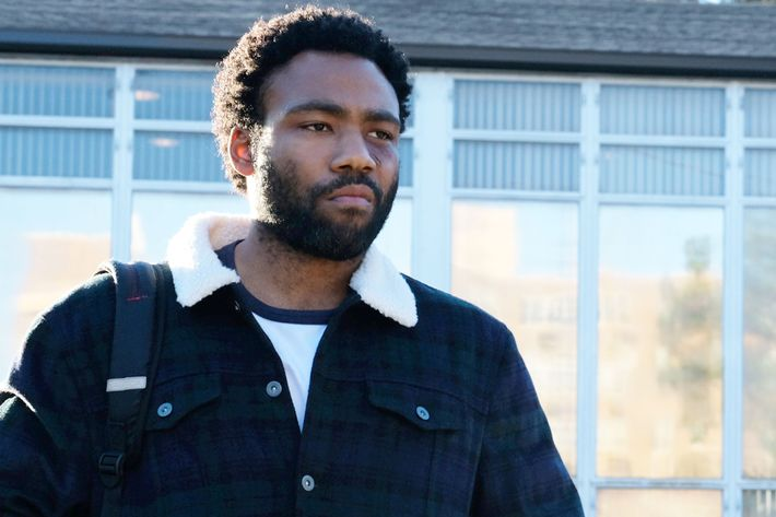 """Donald Glover as Earn in """"Crabs in a Barrel."""" Photo: Curtis Baker/FX/FX  Networks. All Rights Reserved."""