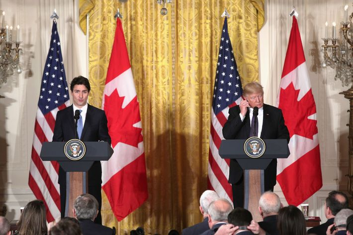 Image Canadian PM Justin Trudeau Beats Trump on the Handshake Recreation Canadian PM Justin Trudeau Beats Trump on the Handshake Recreation 13 trudeau trump presser