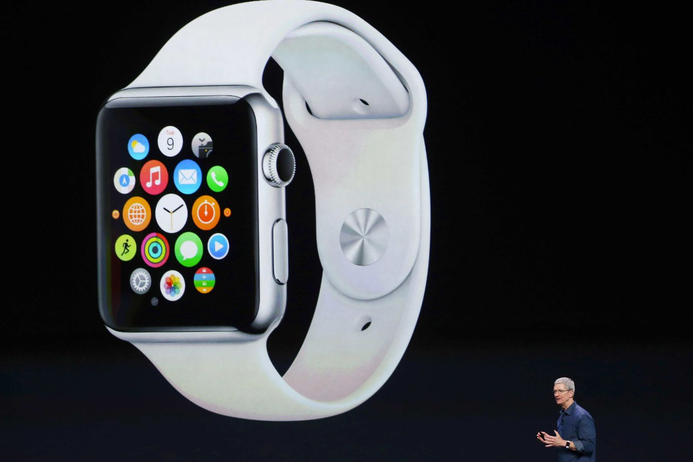 here s how apple will convince you to buy a smartwatch