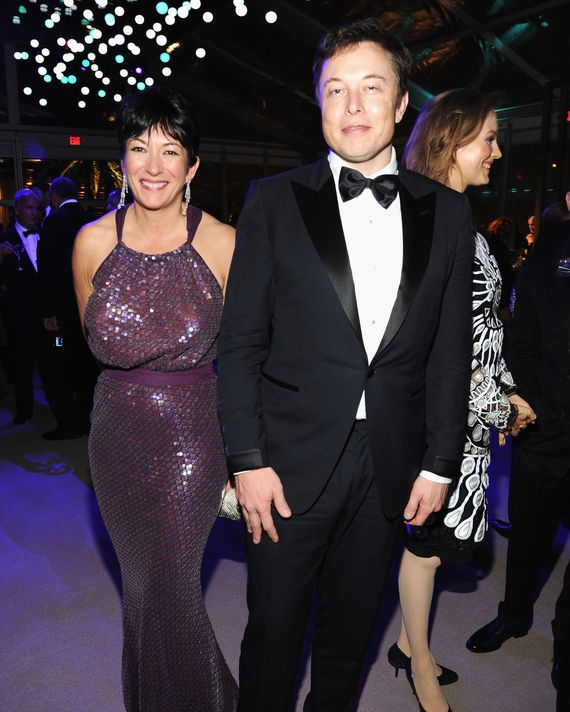 Maxwell with Elon Musk at the Vanity Fair Oscar party in 2014.