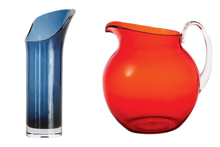 Glassware pitchers.