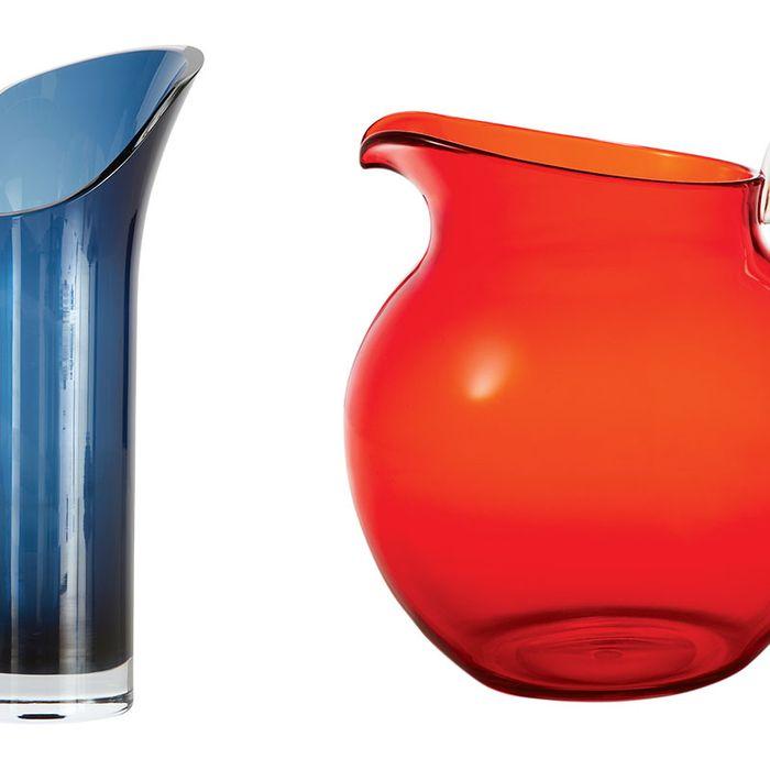 Glassware pitchers.