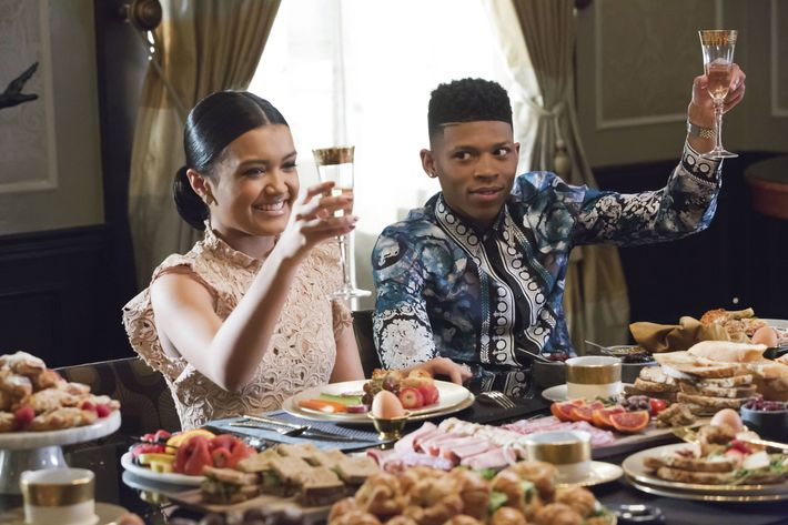 "EMPIRE: Pictured L-R: Guest star Jamila Velazquez and Bryshere Gray in the ""Past is Prologue"" season finale episode of EMPIRE airing Wednesday, May 18 (9:00-10:00 PM ET/PT) on FOX. ©2016 Fox Broadcasting Co. CR:  Chuck Hodes/FOX"