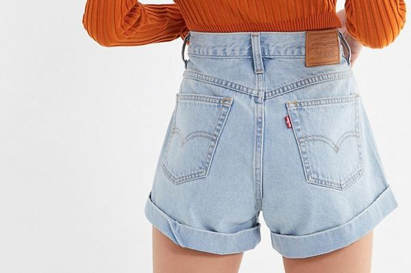 Levi's High-Rise Mom Short