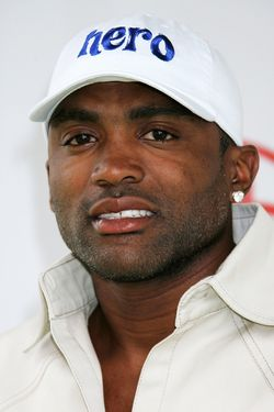 "BRENTWOOD, CA - JUNE 11:  Professional basketball player Cuttino Mobley attends ""A Time for Heroes Celebrity Carnival"" sponsored by Disney to benefit the Elizabeth Glaser Pediatric AIDS Foundation on the grounds of the Wadsworth Theater on June 11, 2006 in Brentwood, California.   (Photo by David Livingston/Getty Images)"