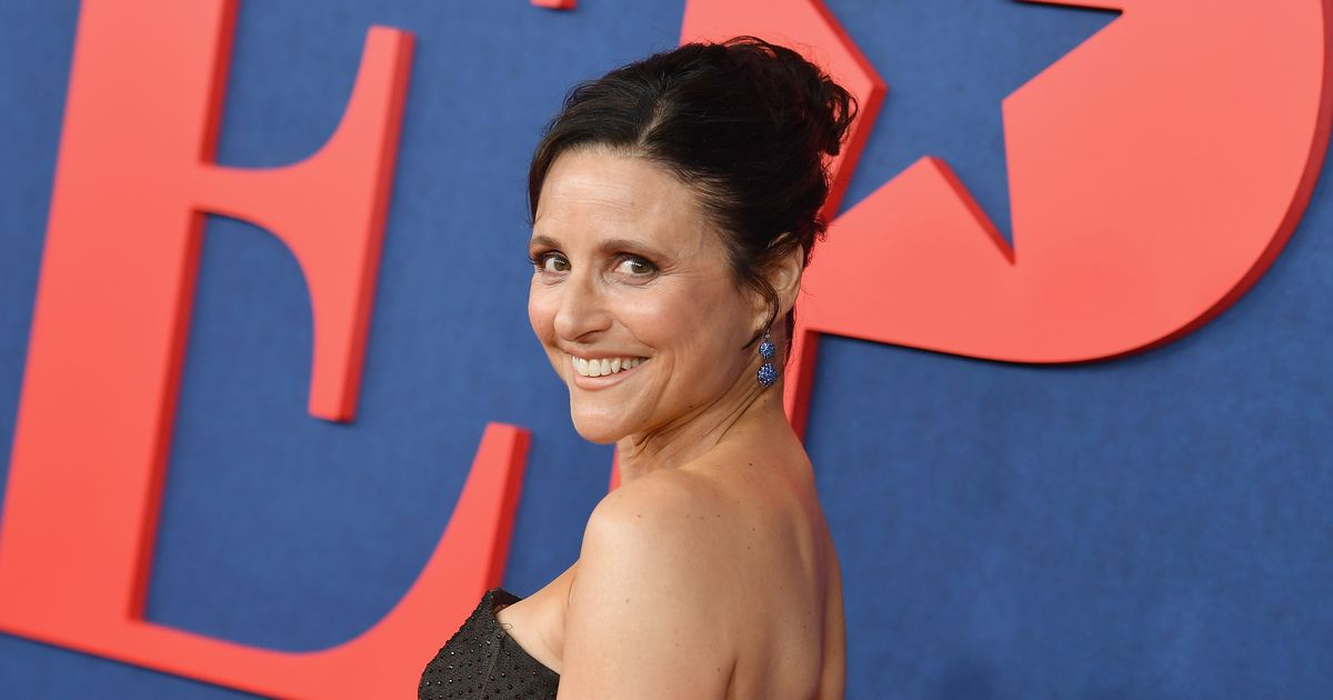 Julia Louis-Dreyfus Hides Her Awards So Your Unaccomplished Self Feels at Home