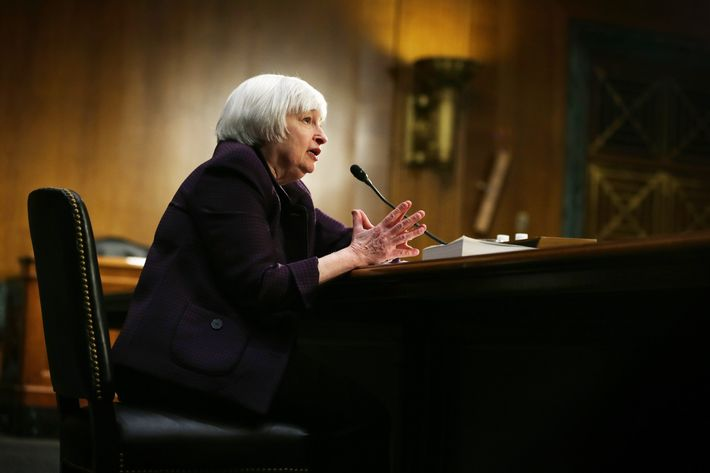 WASHINGTON, DC - FEBRUARY 24:  Federal Reserve Board Chair Janet Yellen testifies during a hearing before the Senate Banking, Housing and Urban Affairs Committee February 24, 2015 on Capitol Hill in Washington, DC.  Yellen gave the Federal Reserve semiannual monetary policy report to the Congress.  (Photo by Alex Wong/Getty Images)