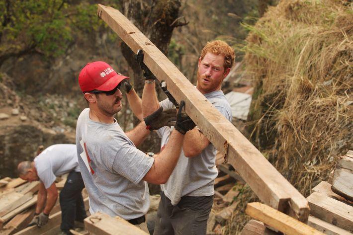 Hot #HarryInNepal helped rebuild a school.