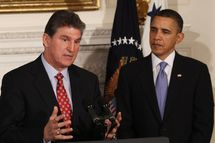 West Virginia Governor Joe Manchin (L) speaks as U.S. President Barack Obama listens during meeting with state governors at the White House on February 22, 2010 in Washington, DC.