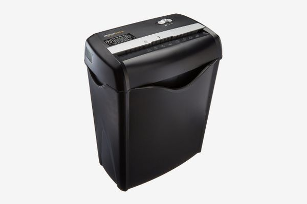 Aurora Anti-Jam 20-Sheet Crosscut CD//Paper and Credit Card Shredder 7-Gallon pullout Basket 60 Minutes Continuous Run Time