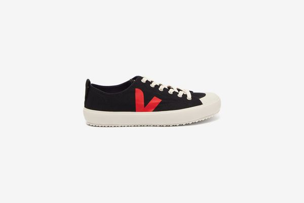 Veja Nova V-logo Low-Top Trainers