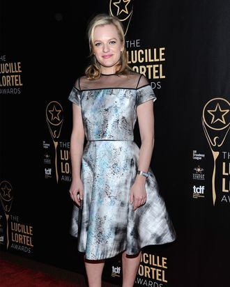 NEW YORK, NY - MAY 10: Actress Elizabeth Moss attends the 30th Annual Lucille Lortel Awards at NYU Skirball Center on May 10, 2015 in New York City. (Photo by Andrew Toth/Getty Images for The Lucille Lortel Awards)