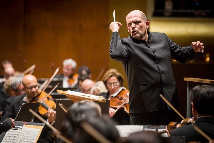 Jaap van Zweden conducts the New York Philharmonic with Cynthia Phelps as soloist performing  New York Premiere of Julia Adolphe'sUnearth, Release (Concerto for Viola and Orchestra) at David Geffen Hall, 11/17/16. Photo by Chris Lee