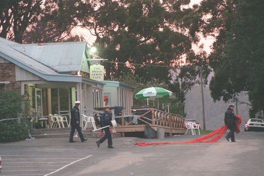 Police outside Broad Arrow Cafe after gunman Martin Bryant shot and killed 35 pe