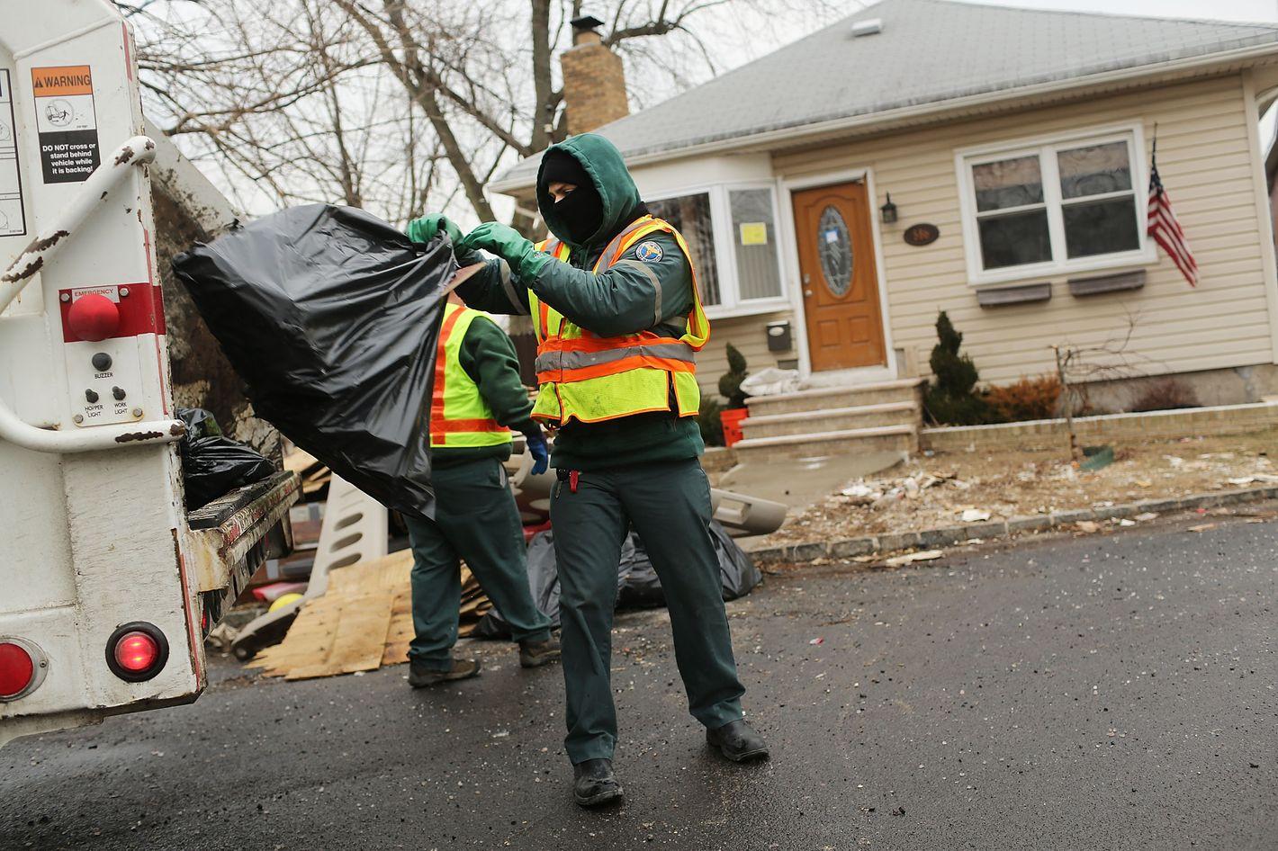 Reminder Dont Try To Tip Sanitation Workers - Sanitation worker cover letter