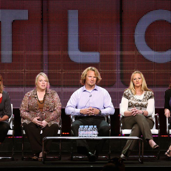 BEVERLY HILLS, CA - AUGUST 06: TV personalities Meri Brwon, Janelle Brown, Kody Brown, Christine Brown and Robyn Brown speak duinrg the
