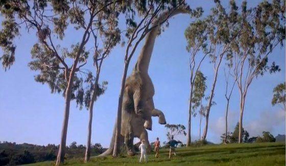Every Single Dinosaur In Jurassic Park From Worst To Best Una erupción volcánica amenaza a los dinosaurios restantes en la isla nublar, donde las criaturas han vagado libremente durante años tras de la desaparición del parque temático «jurassic world». every single dinosaur in jurassic park