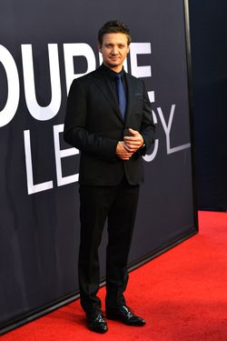"NEW YORK, NY - JULY 30:  Jeremy Renner attends ""The Bourne Legacy"" New York Premiere at Ziegfeld Theater on July 30, 2012 in New York City.  (Photo by Larry Busacca/Getty Images)"